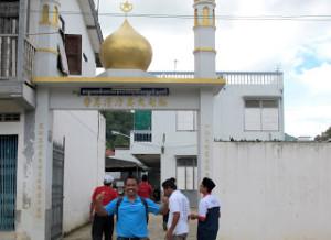myan-pintu masuk masjid